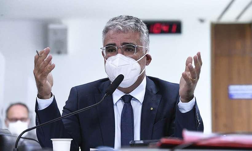 (Eleito pelo Ceará, Eduardo Girão (foto) questionou Dimas Covas sobre eficácia da Coronavac em idosos. Foto: Edilson Rodrigues/Agência Senado)