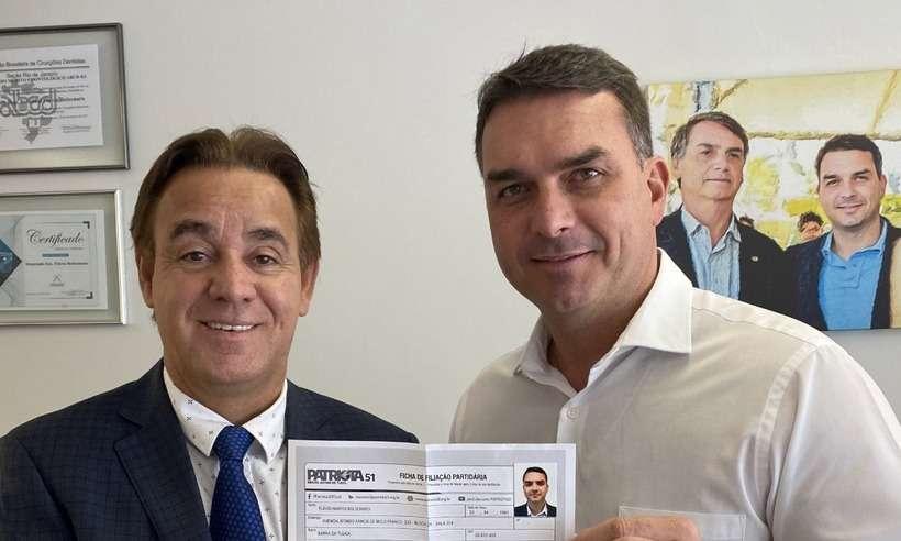 (O filho '01' do presidente Jair Bolsonaro (sem partido) postou uma foto nas redes sociais e acabou vazando dados pessoais. Foto: Reprodução/Redes sociais)