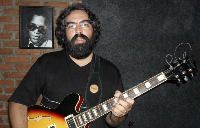 O músico lutava contra uma doença pulmonar crônica e já havia sido internado outras vezes (Foto: Reprodução)