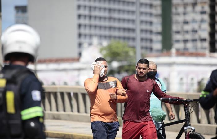 Jonas Correia de França, 29, foi um dos dois homens que perderam a visão após levarem tiros de bala de borracha nos olhos (Foto: Arnaldo Sete/Esp. DP Foto)
