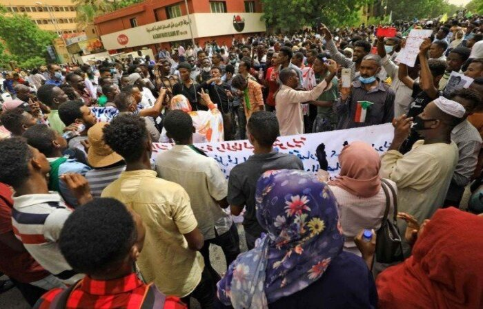 O conflito estourou em 2003, entre o regime de Omar al Bashir e membros de minorias étnicas que se consideravam marginalizadas  (crédito: ASHRAF SHAZLY/ AFP)