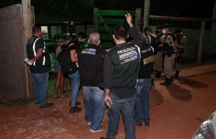 Ainda durante ação do fim de semana, 10 estabelecimentos foram flagrados descumprindo decretos municipais em Uberlândia  (crédito: Cleiton Borges/Secretaria Municipal de Governo e Comunicação/PMU)