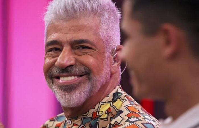 A canção intitulada 'Hit' já recebeu um videoclipe com participação do músico, do marido e da cantora Letícia Novaes (Foto: TV Globo/Reprodução)