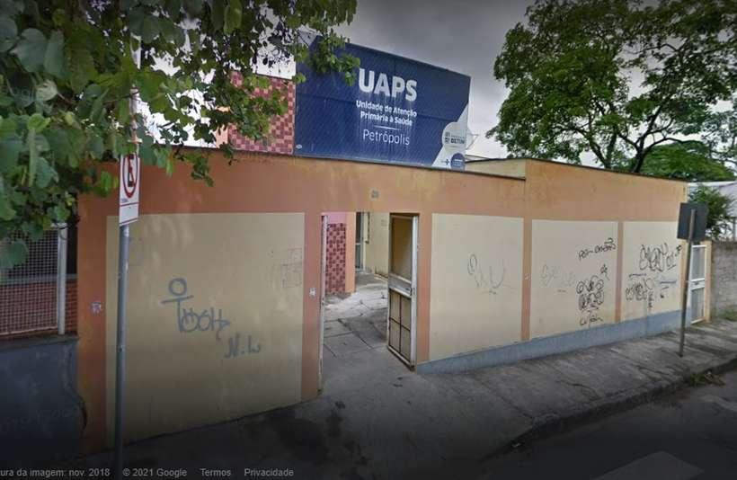 (A câmara de refrigeração da UBS Jardim Petrópolis, em Betim, foi encontrada desligada na manhã desta segunda-feira (21). Foto: Google Maps/Reprodução)