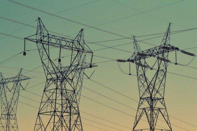 (Agência Nacional de Energia Elétrica (Aneel) anunciou um reajuste de 52% no valor da bandeira tarifária vermelha e será cobrado R$ 9,49 a cada 100kWh consumidos. Foto: Reprodução/ Unsplash)