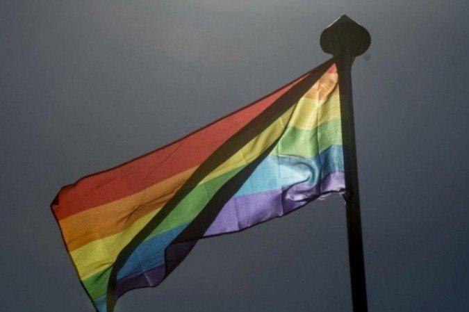 (Proibição estava em vigor porque havia uma percepção de que as pessoas LGBT eram mais suscetíveis à chantagem e, portanto, representavam um risco à segurança. Foto: Marcelo Camargo / Agência Brasil)