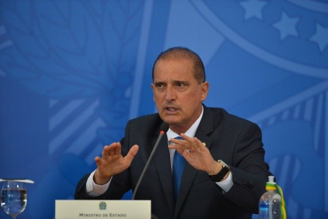 (Senador Omar Aziz quer comparar versão apresentada pelo ministro sobre Covaxin com a do deputado Luis Miranda. Foto: Marcello Casal Jr/Agência Brasil)