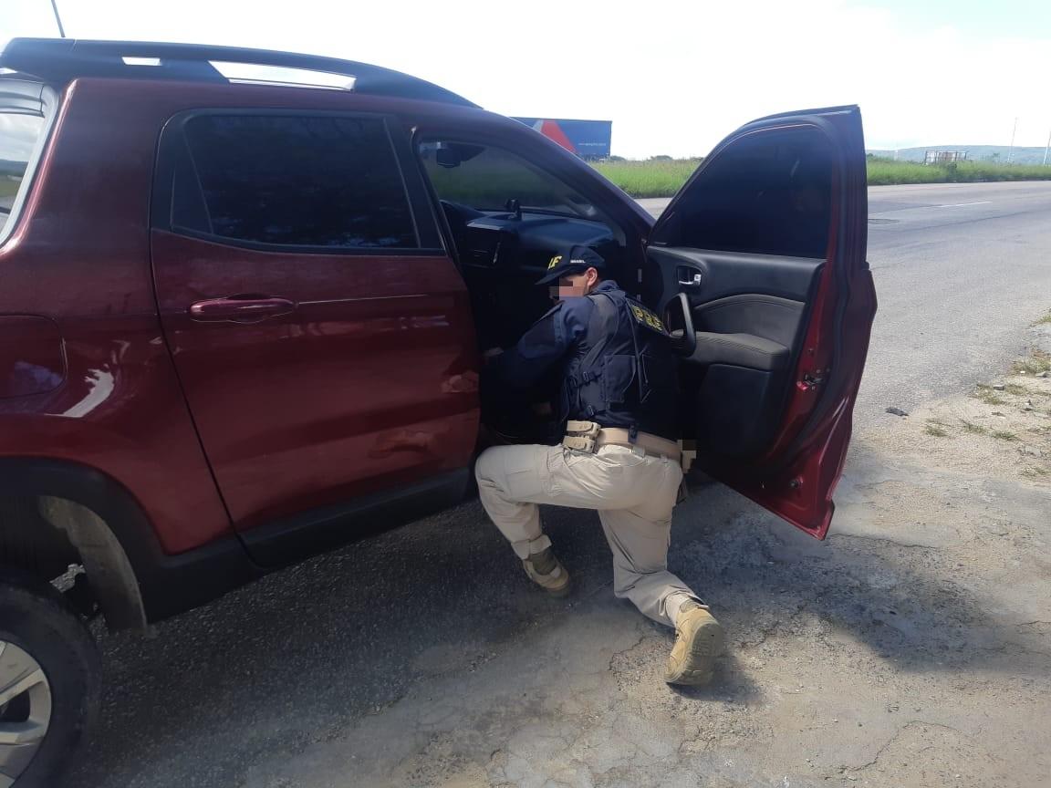 Motorista não lembrava onde havia comprado o veículo e nem quantas parcelas pagou  (PRF/Divulgação)