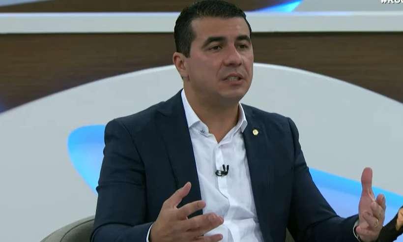 (Luis Miranda aproveitou para pedir que servidores do Ministério da Saúde procurem parlamentares e autoridades. Foto: Reprodução/Youtube)