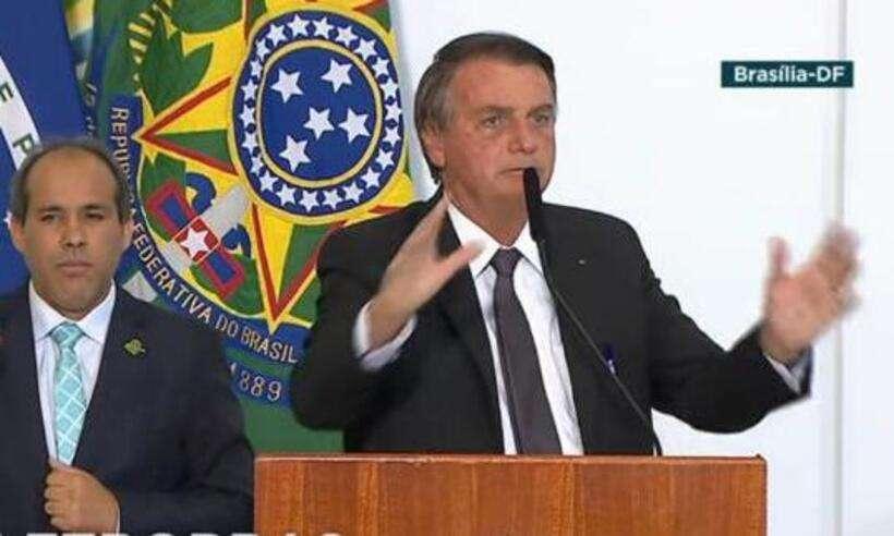 (Presidente Jair Bolsonaro (sem partido) na cerimônia de sanção da medida provisória que viabiliza a privatização da Eletrobras. Foto: TV Brasil/Reprodução)