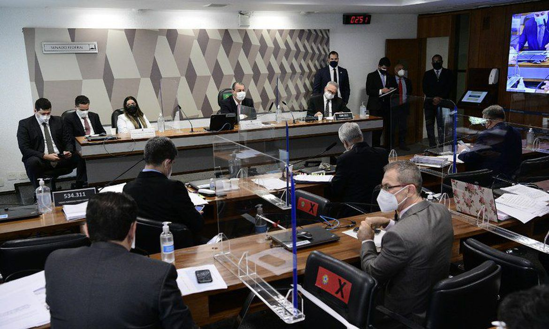 (Emanuela Medrades prometeu responder às perguntas amanhã. Foto: Divulgação/Senado Federal )