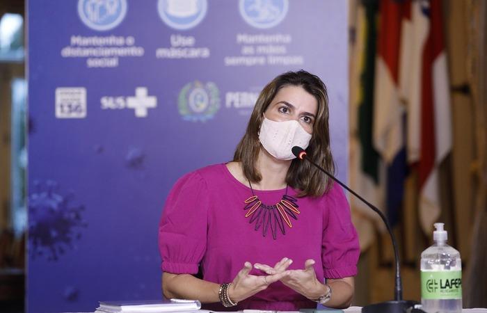 A secretária Ana Paula Vilaça também anunciou o aumento da lotação de eventos sociais como aniversários e casamentos  (Foto: Hélia Scheppa/SEI)