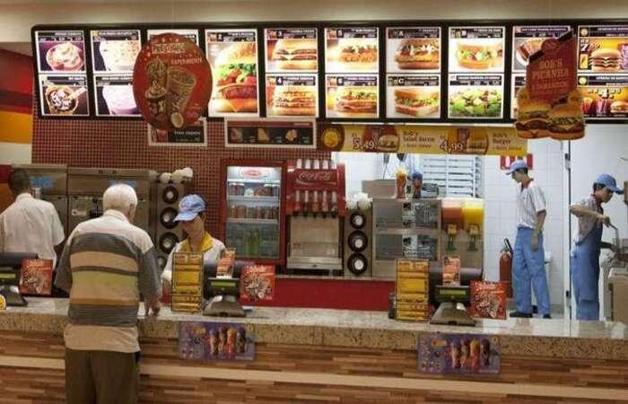 Empresa informa que orienta a todos os seus franqueados a fornecerem aos funcionários acesso à alimentação completa (Foto: Adnews/Reprodução )
