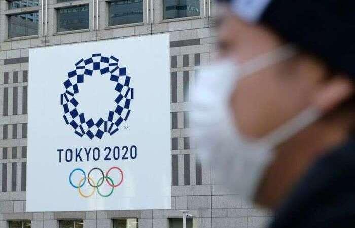 O atleta, sem identidade revelada, foi isolada pela organização em um hotel (Foto: AFP)