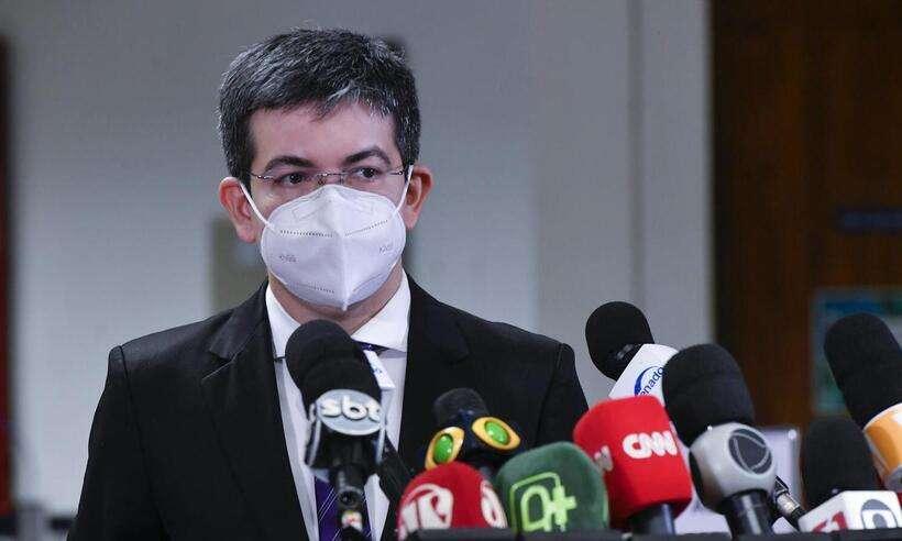 (Bolsonaro acusou Randolfe de negociar 20 milhões de doses da Covaxin 'sem licitação'. Foto: Leopoldo Silva/Agência Senado)