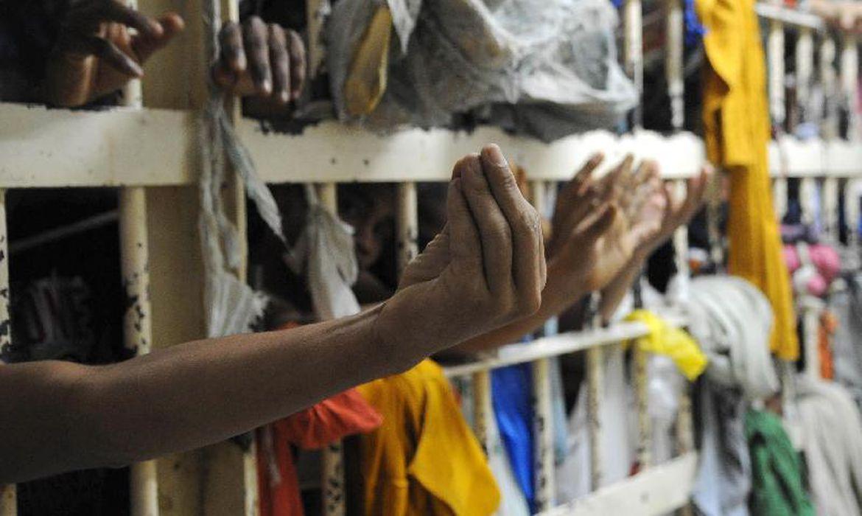 (Inspeções revelaram que há presos idosos que ainda não foram vacinados. Foto: Arquivo/Agência Brasil)