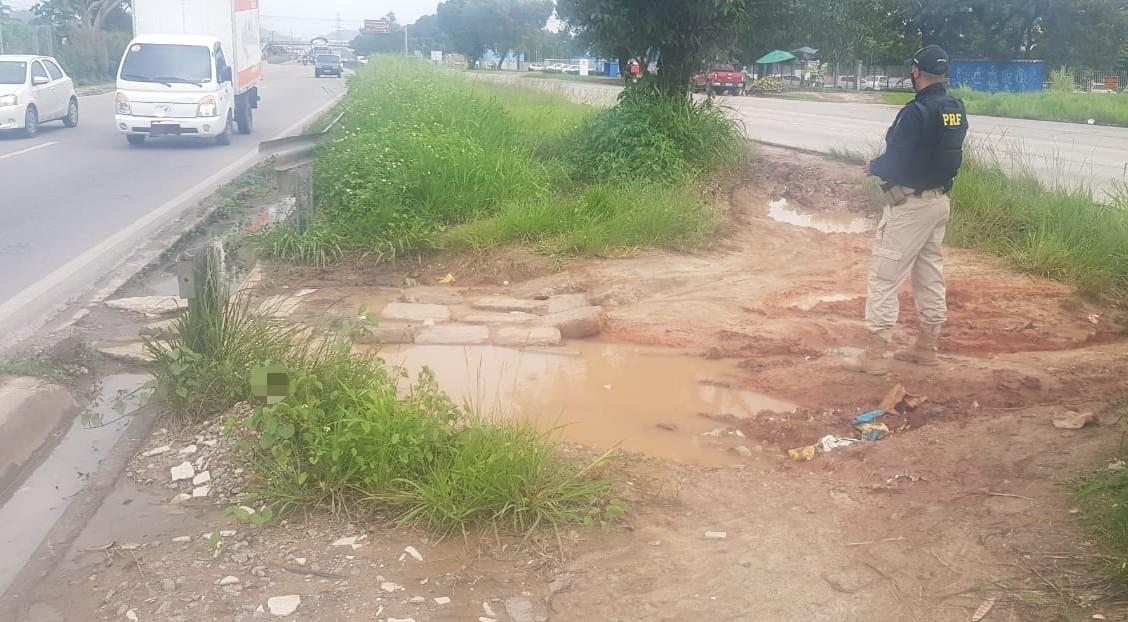 Mal conservação da rodovia, acúmulo de água e árvores com risco de queda são alguns aspectos verificados  (PRF/Divulgação)