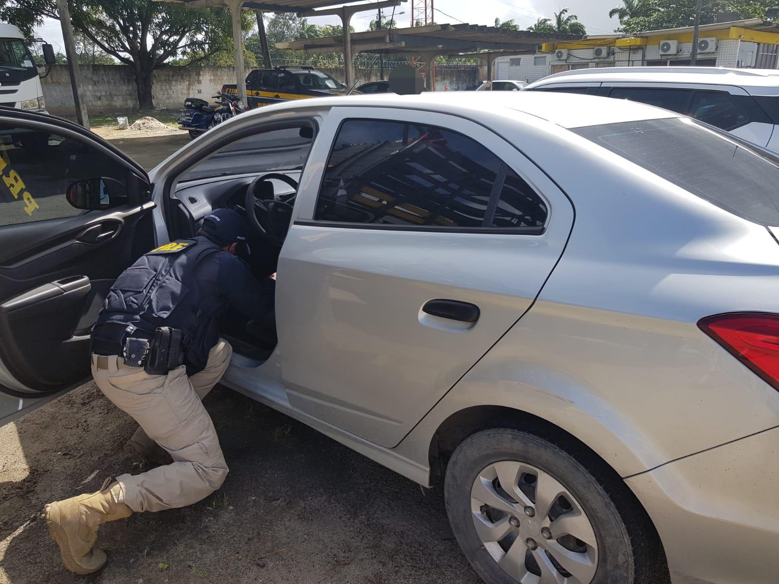 Proprietário de um dos veículos havia prestado queixa no mesmo dia.  (PRF/Divulgação)