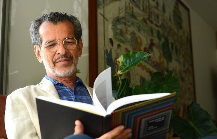 O livro é uma mescla de biografia, catálogo e diário pessoal do artista (Foto: Cláudia Dalla Nora/Divulgação)
