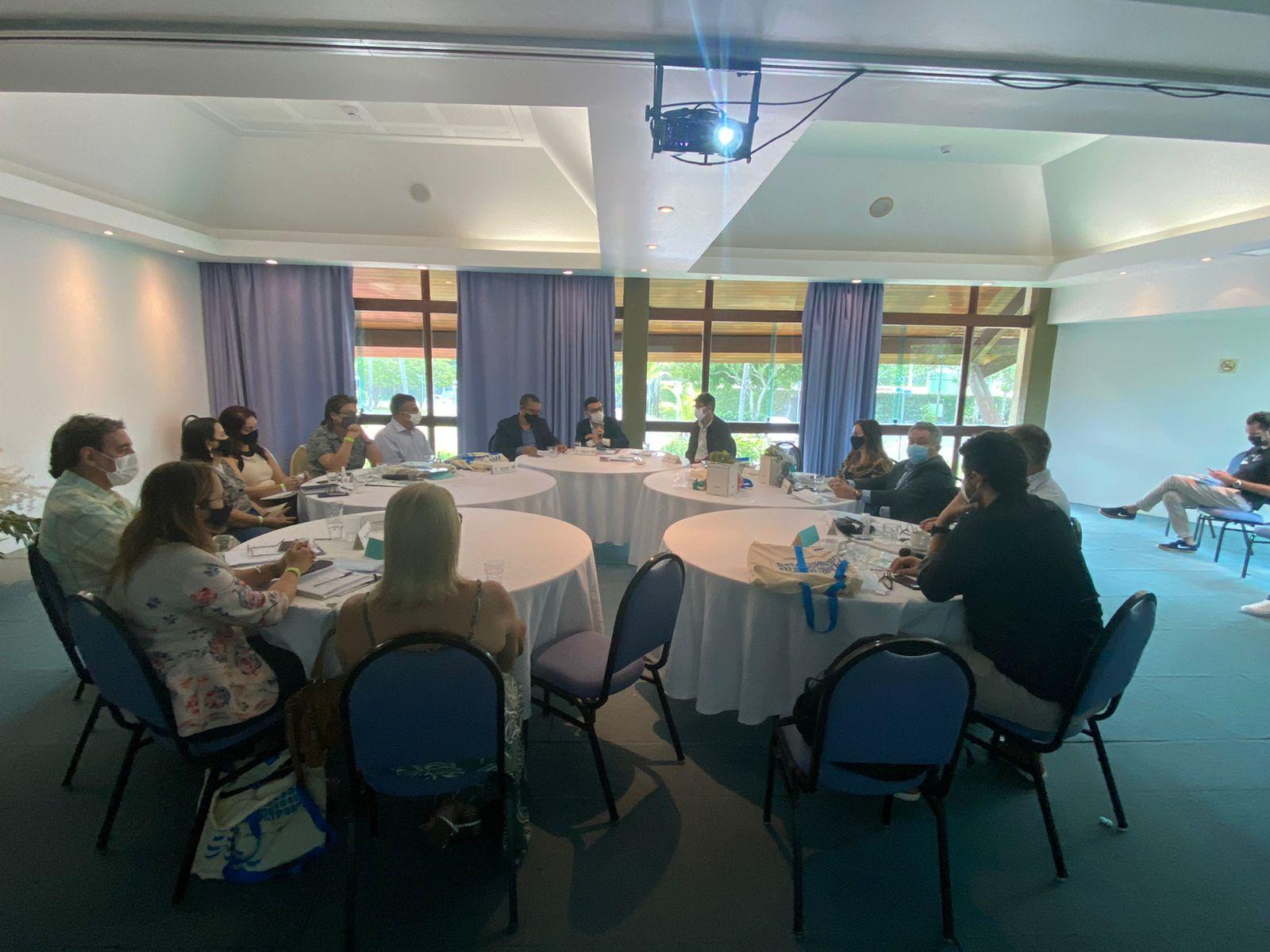 Neste 14º encontro, realizado em Ipojuca, o foco foi a apresentação da construção de um protocolo de voltas às aulas e como se dará esse retorno nas cidades da RMR. (Agnaldo Silva/Secom Ipojuca)