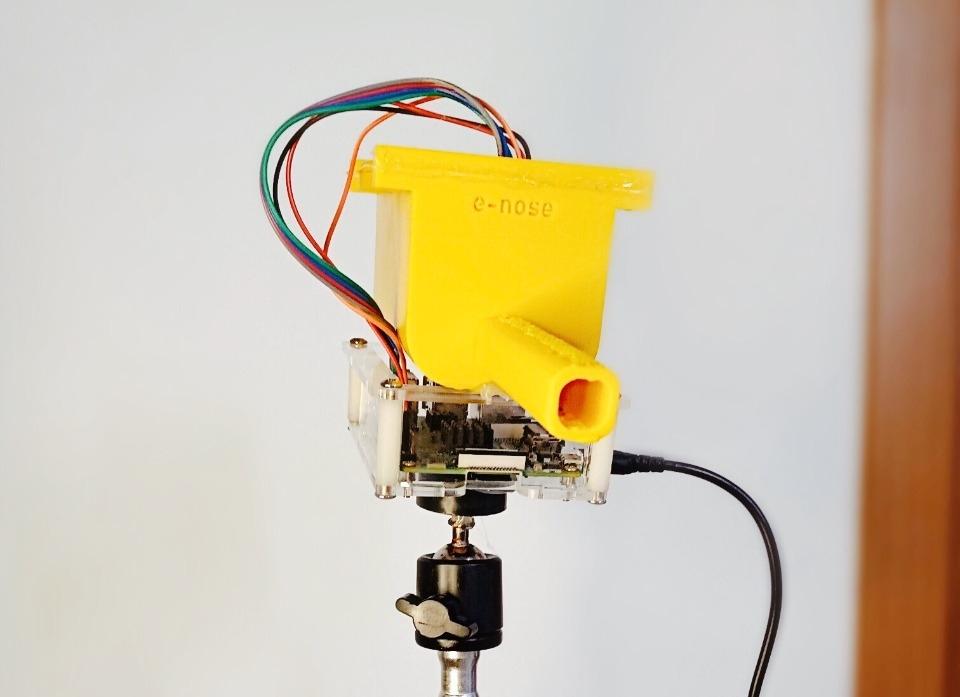 A ideia é que o dispositivo possa ser usado em aeroportos e fronteiras e que tenha flexibilidade para ser acoplado a drones. (Divulgação)