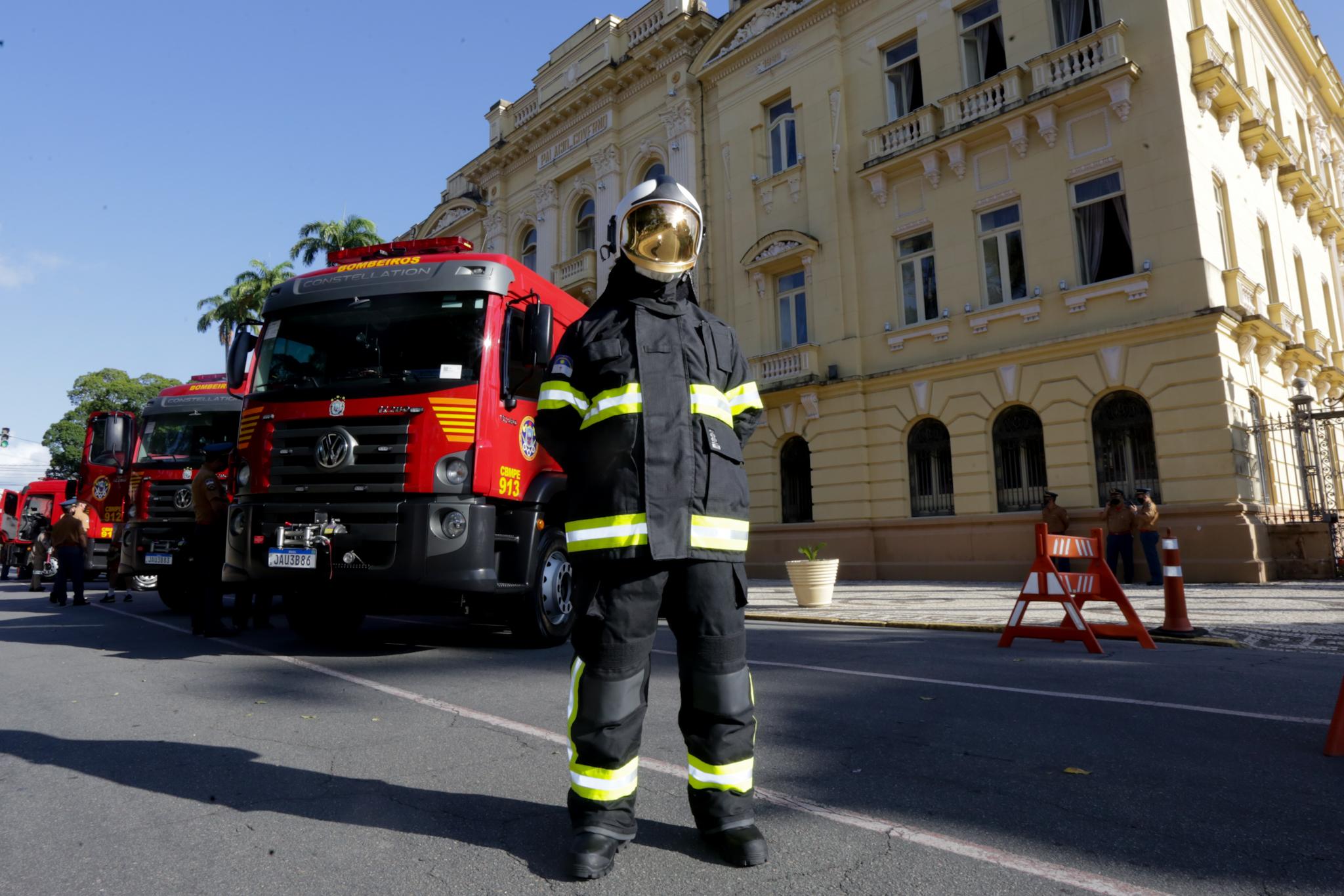 Veículos vão reforçar atuação do CBMPE no combate a incêndios na Região Metropolitana do Recife e na Mata Sul. (Aluisio Moreira/SEI)