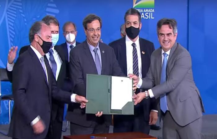 Requerimento foi assinado nesta quinta-feira (2) (Reprodução/TV Brasil)