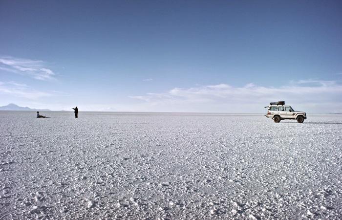Deserto de sal boliviano é uma das diversas paisagens da América do Sul em 'King Kong en Asuncíon' (Aurora Filmes/Divulgação)