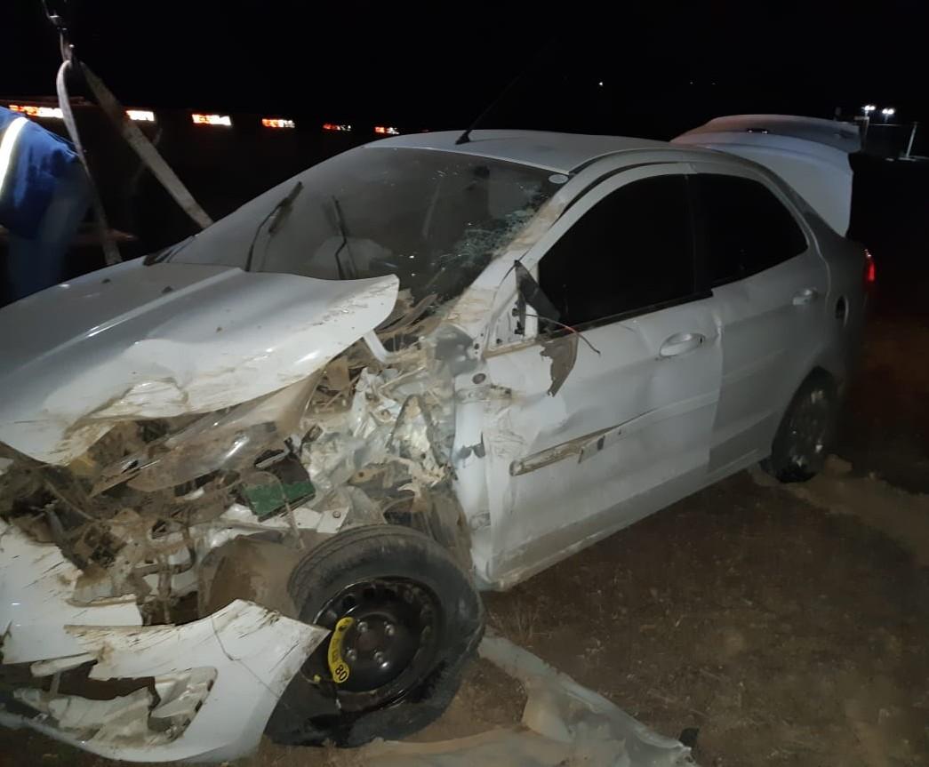 Suspeitos levaram veículo de um motorista de aplicativo usando um punhal. (PRF/Divulgação)