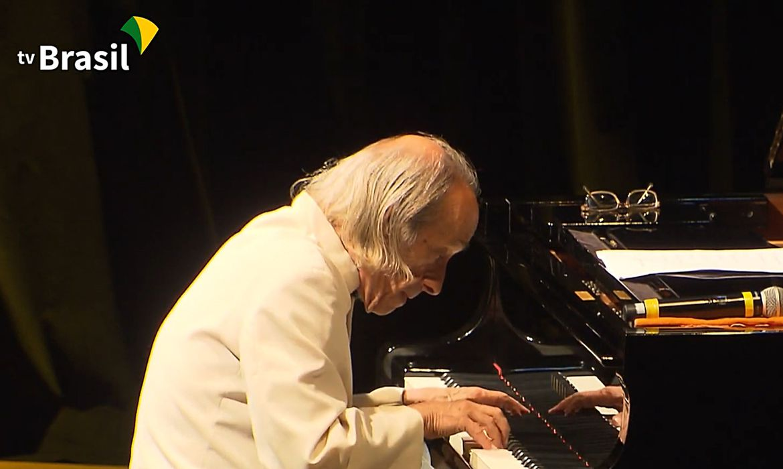 (Músico não resistiu a infarto sofrido na sexta-feira. Foto: Partituras/TV Brasil )