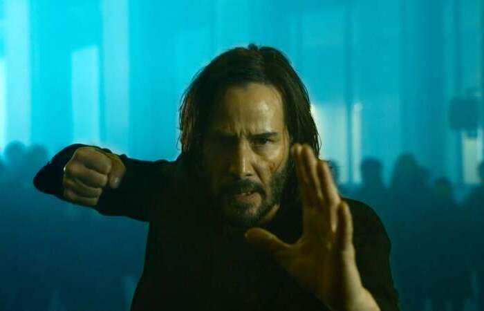 Keanu Reeves retorna ao papel de Neo em continuação de clássico de ficção científica (Foto: Warner Bros/Divulgação)