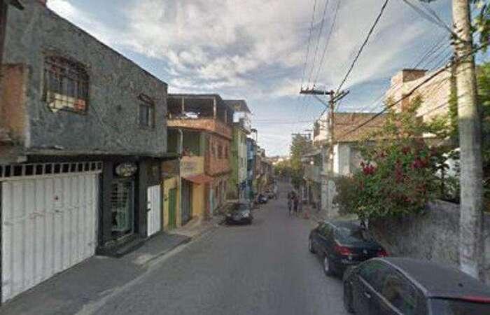 Moradores da Rua Júlio César Oliveira ficaram assustados com o crime (Foto: Reprodução/Google Street View)