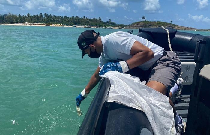 A data é destinada a combater as toneladas de lixo descartados no meio ambiente (Foto: Marinha do Brasil/Divulgação)