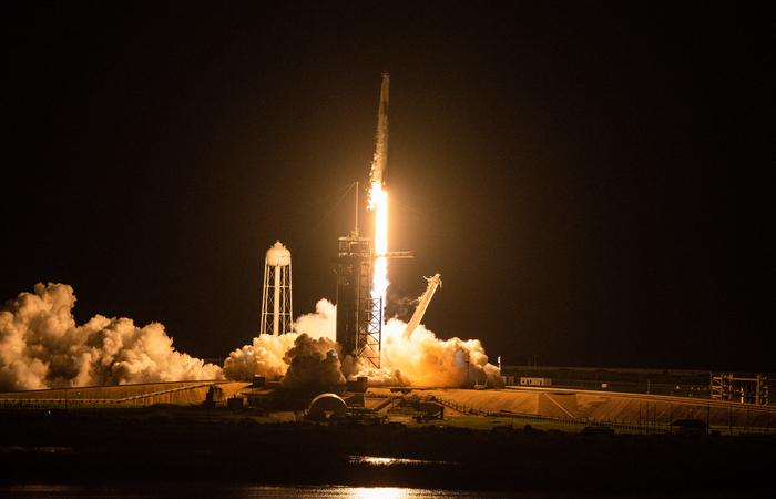 Organizada pela SpaceX, essa foi a primeira missão espacial tripulada totalmente por civis  (Foto: Chandan Khanna/AFP)