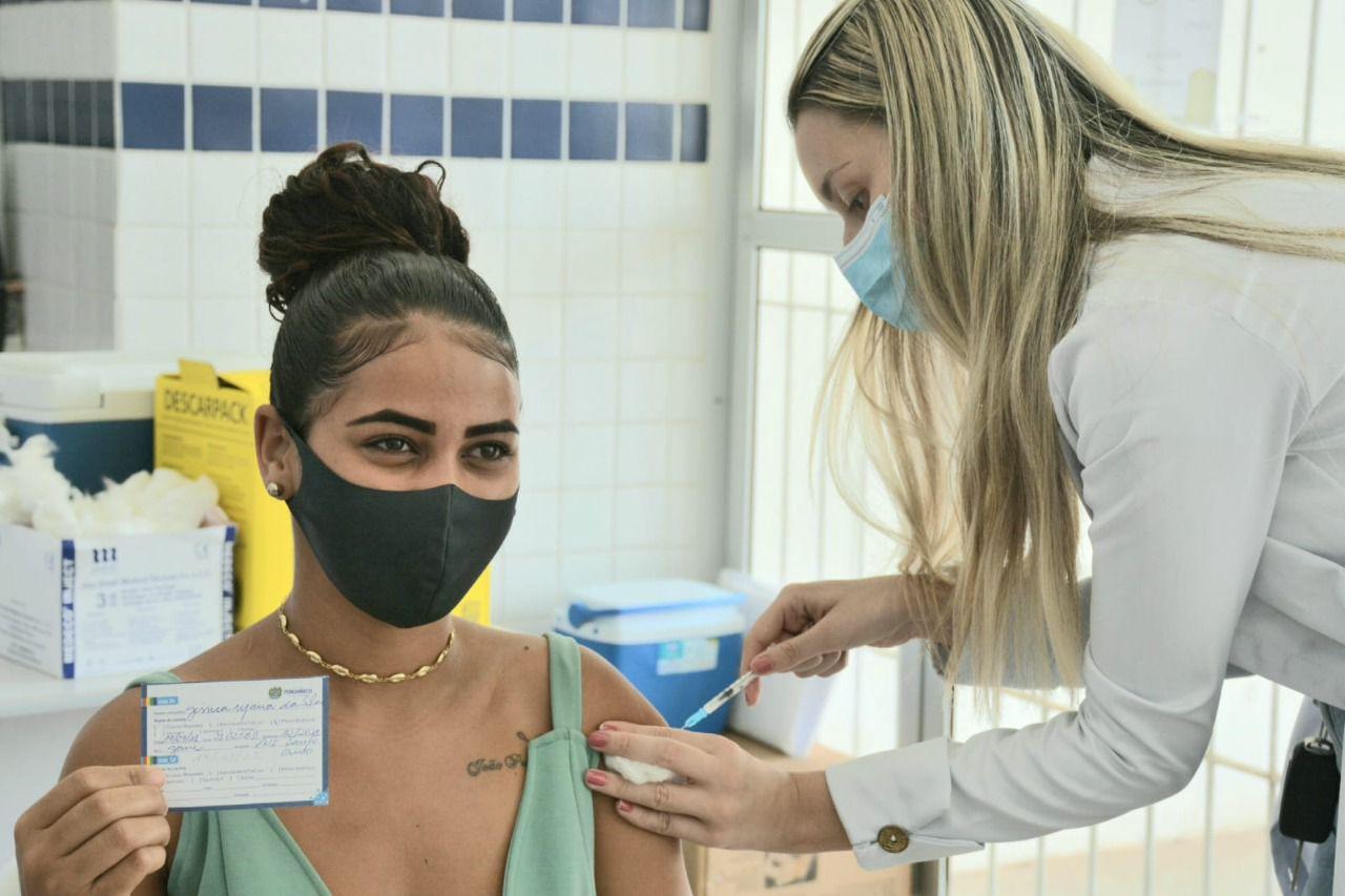 Neste sábado (25), a prefeitura do Ipojuca vai promover o Dia D de Vacinação contra Covid-19, ampliando a faixa etária para quem tem 16 anos ou mais. (Marly Ribeiro/Secom.)