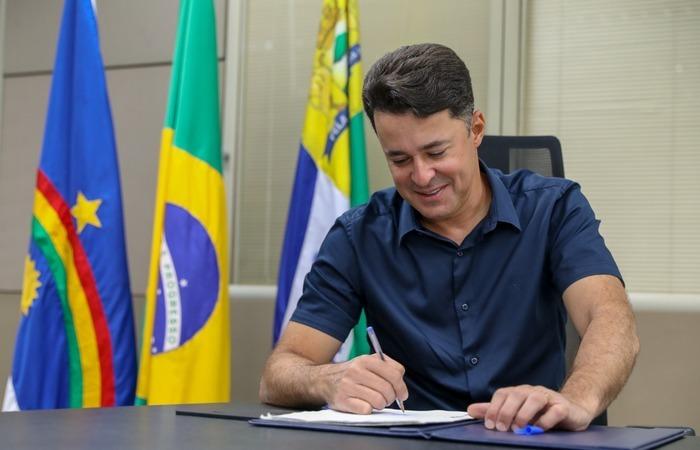 A depender da função, as vagas têm salários que variam de R$ 5.452,21 e R$ 10.904,42 (Foto: Chico Bezerra/PMJG)