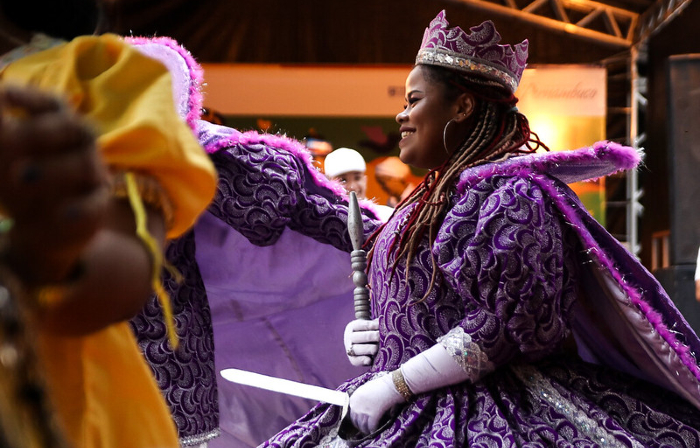 Maracatu Leão Coroado no Carnaval na Casa da Cultura, em 2019  (Foto: Fernando Figueroa/Secult PE-Fundarpe)