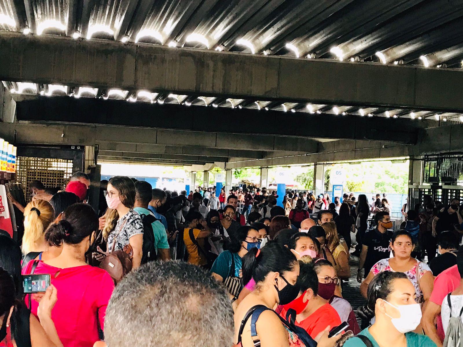 Segundo CBTU, ficaram sem funcionar as estações Jaboatão, Engenho Velho, Floriano e Cavaleiro. O Grande Recife colocou uma linha especial para minimizar transtornos.  (Divulgação)