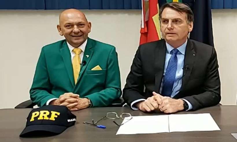 (Jair Bolsonaro disse que senadores fizeram um 'fiasco' durante depoimento de Luciano Hang. Foto: Reprodução/Facebook)