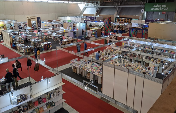Bienal do Livro de Pernambuco é realizada presencialmente no Centro de Convenções e virtualmente na plataforma e-Bienal (Divulgação)