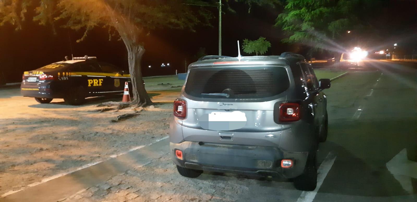 Veículo havia sido roubado em abril do ano passado em Maceió. (PRF/Divulgação)