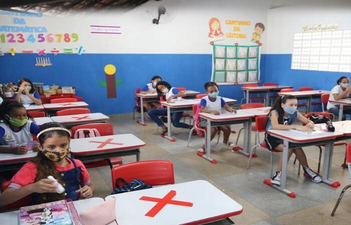 Há oportunidades para profissionais de diversas áreas e diferentes níveis de escolaridade. Inscrições ocorrem entre os dias 11 de outubro e 11 de novembro, segundo edital. (Prefeitura de Sirinhaém/Facebook/Reprodução)