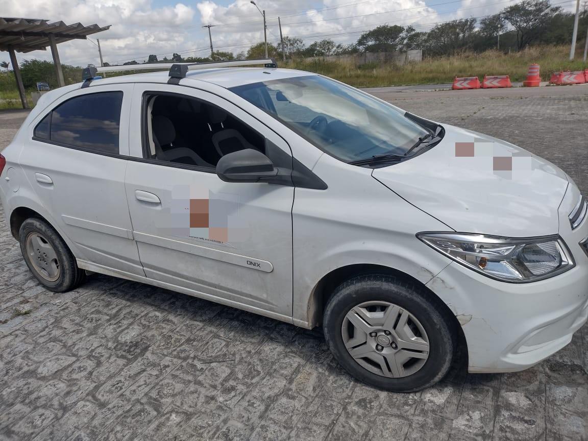 Veículo não possuía seguro e será devolvido ao proprietário.  (PRF/Divulgação)
