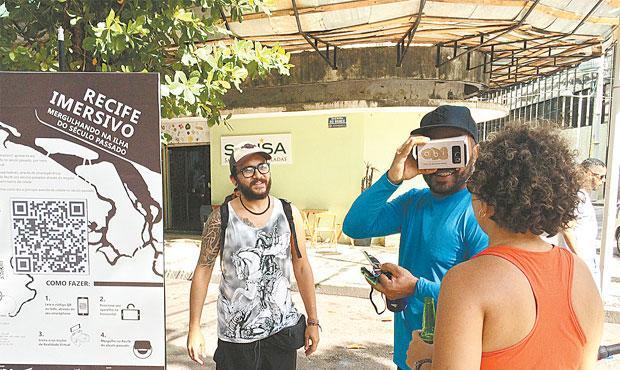 Visitantes puderam conhecer a história da Rio Branco através do uso do QR Code (WAGNER OLIVEIRA/DP)