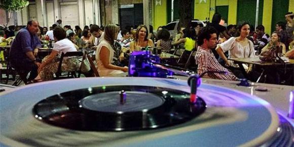 As festas de rua do Grande Recife (Facebook/Reprodução)